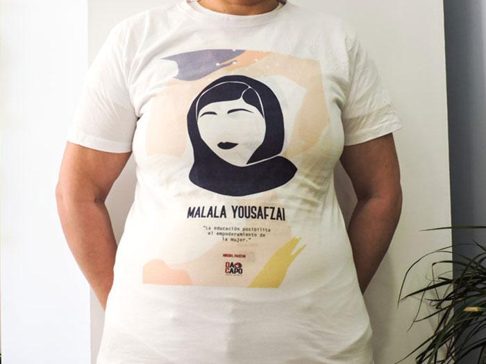 Dacapo--Camiseta-solidaria--Mala-Yousafzai